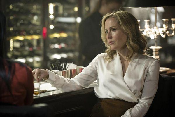 """Stella Gibson w serialu """"Upadek"""""""