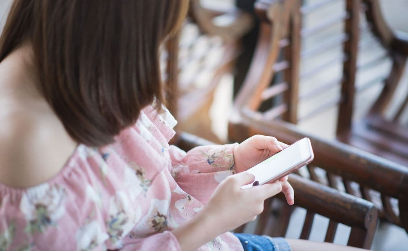 etui-na-iPhone-miasto-kobiet