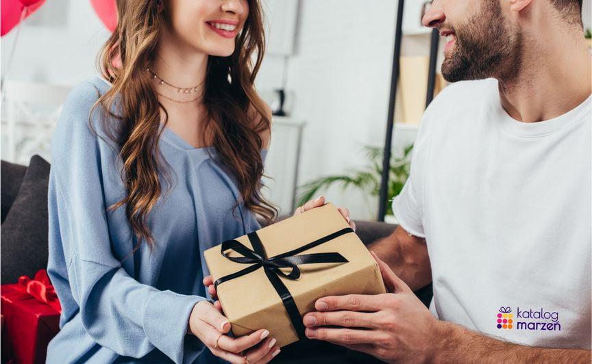 prezent-dla faceta-miasto-kobiet