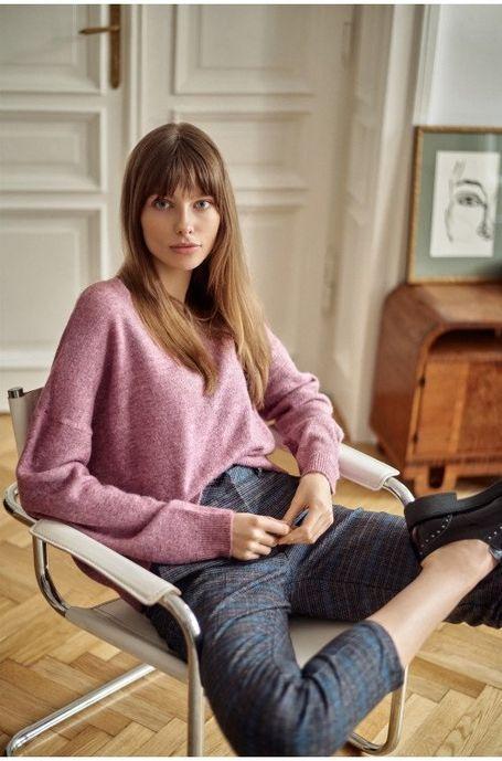sweter-luzny-miasto-kobiet