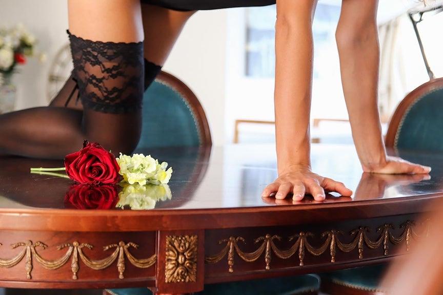 seks na stole